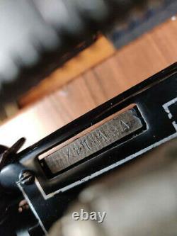 1916 Royal Type 10 split window typewriter in working condition. Very Rare! Look