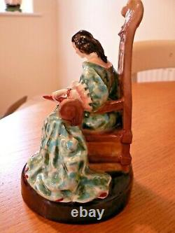 A Lovely Very Rare Royal Doulton Hn 2055 The Leisure Hour Figure