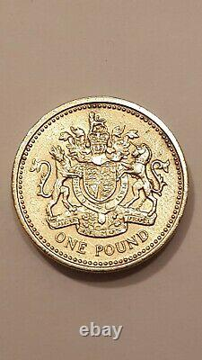 Very RARE Uncirculated 1983 Royal Arms One Pound Coin Old Style (One Pound)
