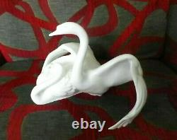 Very Rare Royal Doulton Images Of Nature Nestling Down, Swans Hn 3531 Perfect